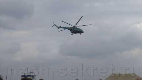 вертолет рухнул вреку внью-йорке видео
